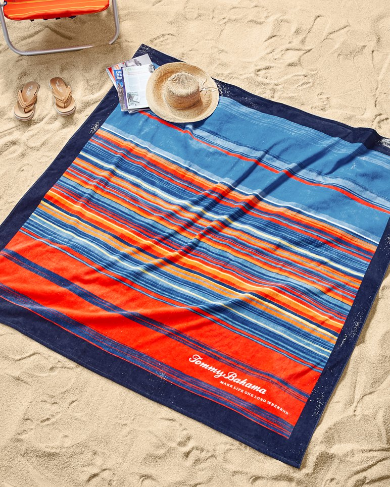 Beach Blanket Australia: Scenic Striped 6x6-feet Blanket-Size Beach Towel