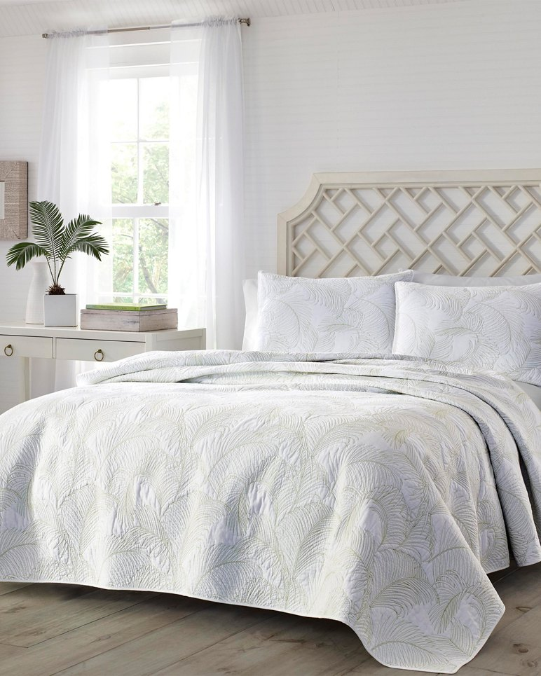 Main Image for Paradise Fronds King Quilt